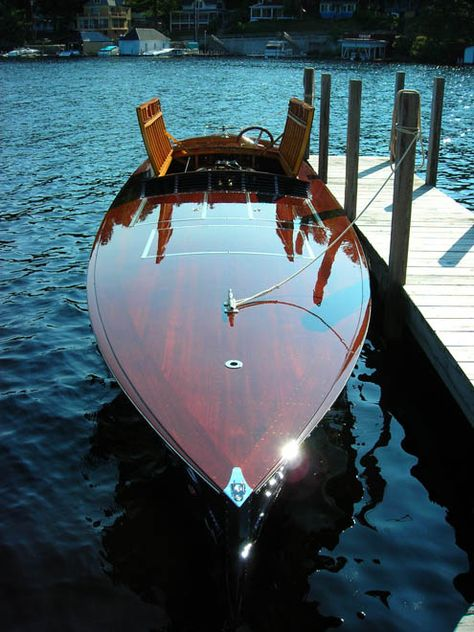 Sister Syn one of Horace Dodge Jr.s 1927 35 Gold Cup contenders Yacht Design, Boat Design, Wooden Speed Boats, Cruiser Boat, Classic Wooden Boats, Vintage Boats, Cool Boats, Boat Stuff, Yacht Boat