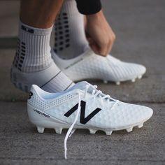 New Balance Blanc Visaro - gunesblog.com/tenue   Soulier de soccer ...