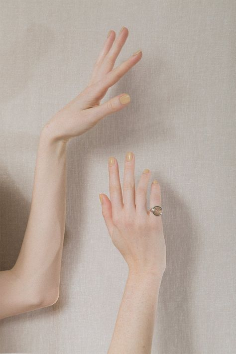 Hand Drawing Reference, Human Poses Reference, Photo Reference, Pretty Hands, Beautiful Hands, Dry Rice, Hand Photo, Nail Photos, Hand Care