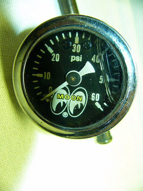 mooneyes tach wiring diagram: moon eyes 0-60 psi liquid filled oil or fuel
