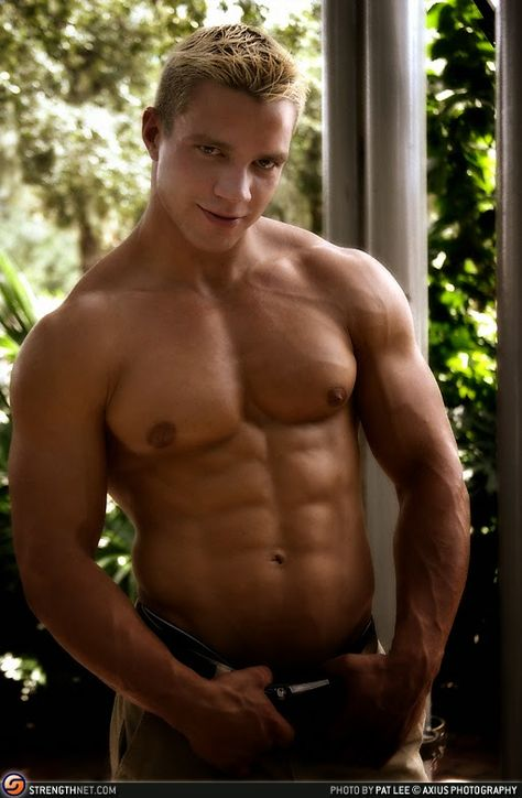 Aesthetic MuscleS - Bodybuilding at its Best: Dan Rockwell