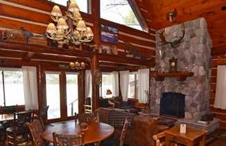 4 Wi Cabins With Amazing Fireplaces Travel Wisconsin Door County Restaurants Wisconsin Travel Cabins In Wisconsin