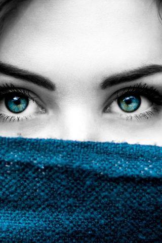 A Beautiful Blue Eye Girl With Dark Hair Wallpapers Blue Eye