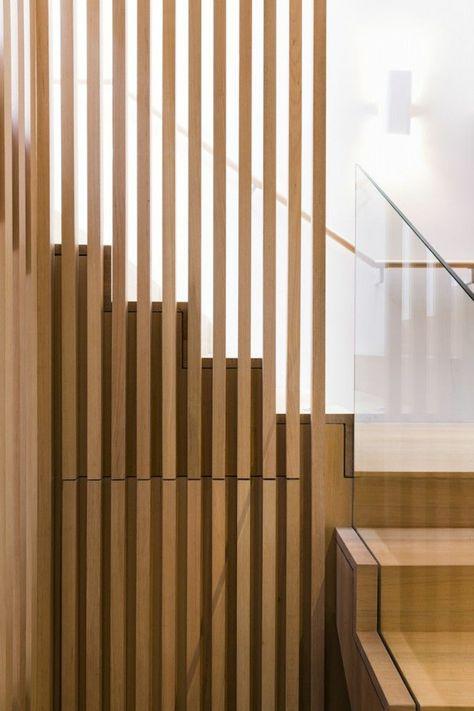 rampe escalier design moderne, rampe d'escalier en bois, maison moderne