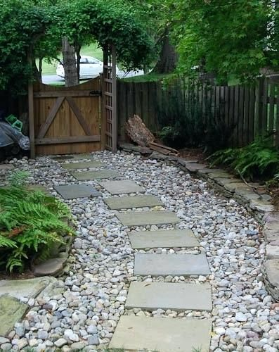 Making A Garden Path With Stepping Stones Walkways Using Stepping Stones Walkway Ideas With St Garden Path Lighting Garden Stepping Stones Backyard Landscaping