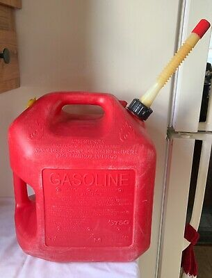 Vtg Old Type Midwest 5 Gallon Vented Red Poly Gas Can 2 Handle Pour In 2020 Gas Cans Chilton Manitowoc