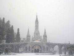 Het Heiligdom in de sneeuw