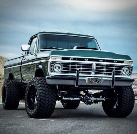old pickup trucks ford - ford old trucks Custom Pickup Trucks, Old Pickup Trucks, Old Ford Trucks, Ford 4x4, F250 Ford, Chevy Diesel Trucks, Sv 650, Truck Rims, Toyota