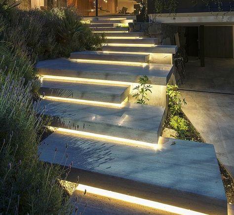 Treppen Im Garten Betonplatten Unterbeleuchtung Beleuchtung Garten Gartengestaltung Gartentreppe