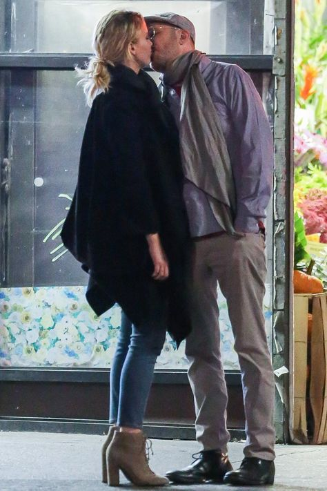 Jennifer Lawrence Packs on the PDA With Her New Boyfriend, Director Darren Aronofsky