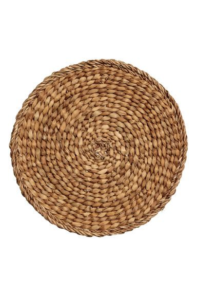 Round Seagrass Placemat Natural Home All H M Us Placemats Grass Placemats Baskets On Wall