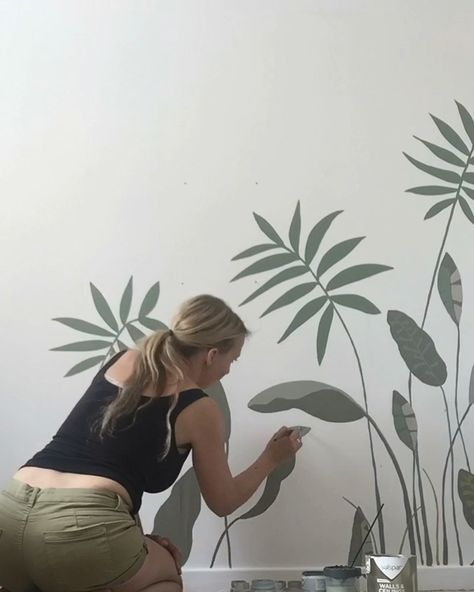 Botanical wall mural for little girls bedroom