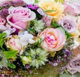 السياحة في العالم العربي محل ورد الرياض افضل محلات بيع الورد بالرياض ورود سوبر Floral Wreath Floral Wreaths