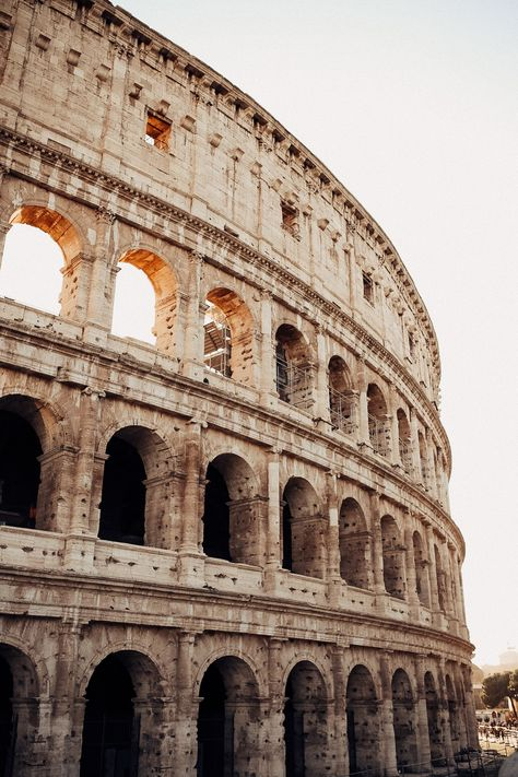 Rome travel guide for the perfect European Summer trip to Italy. Explore the Colosseum, dine in Trastevere and experience the beauty of the Eternal City. Italy Travel Tips, Rome Travel, Travel Guide, Budget Travel, Rome Photography, Travel Photography Tumblr, Photography Ideas, Nature Photography, Places To Travel