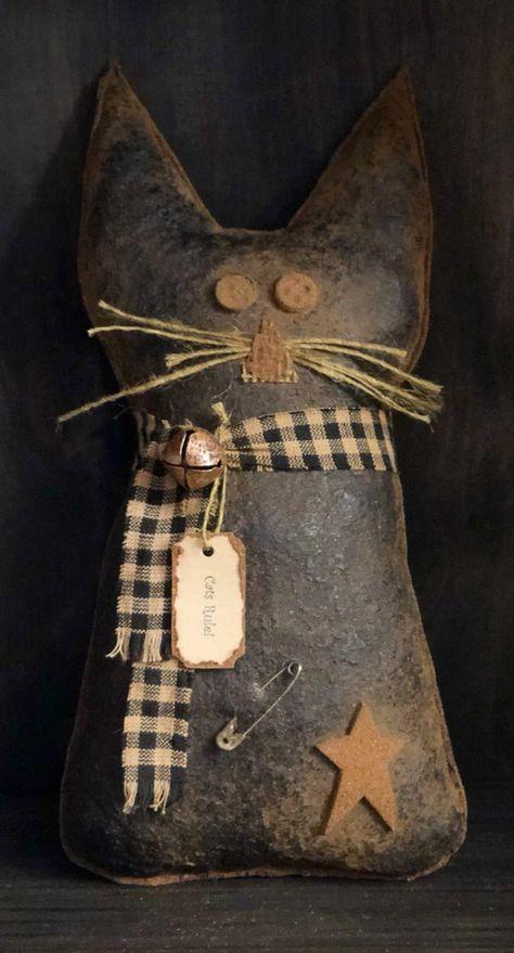 Primitive Black Cat Ornie / Bowl Filler – The World Primitive Snowmen, Primitive Folk Art, Primitive Crafts, Primitive Christmas, Country Primitive, Wooden Snowmen, Country Christmas, Primitive Stitchery, Primitive Pumpkin