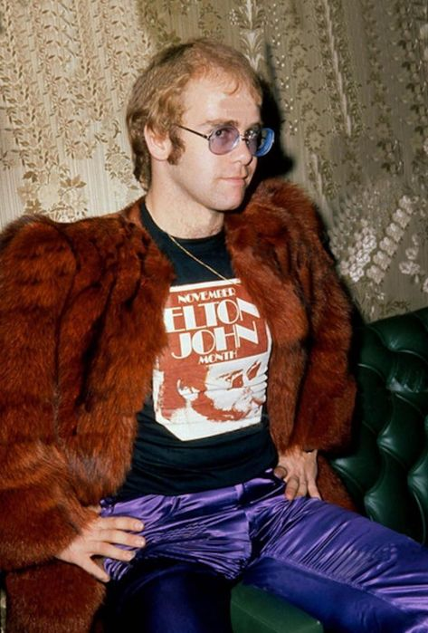 30 Amazing Color Photographs of a Young Elton John in the 1970s ~ vintage everyday