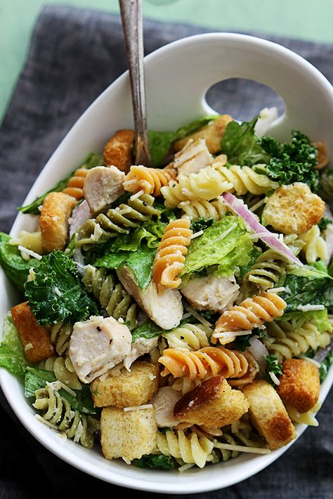 Best Chicken Caesar Pasta Salad With chicken and pasta, this is a salad recipe that will fill you up, so feel free to serve it for lunch or dinner. It also works well as a side dish you can bring with you to a potluck or party. recipes for dinner Chicken Caesar Pasta Salad, Pasta Salad Recipes, Caesar Salad, Chicken Pasta, Chicken Noodles, Shrimp Recipes, Tuna Pasta, Salmon Pasta, Shrimp Pasta