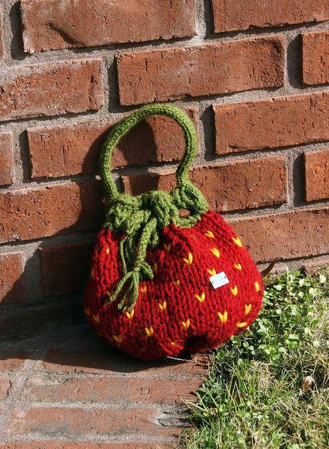 Ravelry: Strawberry Purse pattern by Kristi Greeson Cute Crochet, Crochet Crafts, Knit Crochet, Crochet Bags, Yarn Crafts, Crochet Clothes, Diy Clothes, Knitting Projects, Crochet Projects