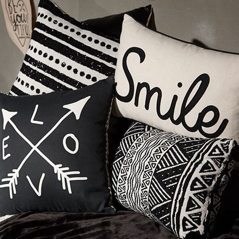 Primark - Monochrome_Trend_Living_Kitchen