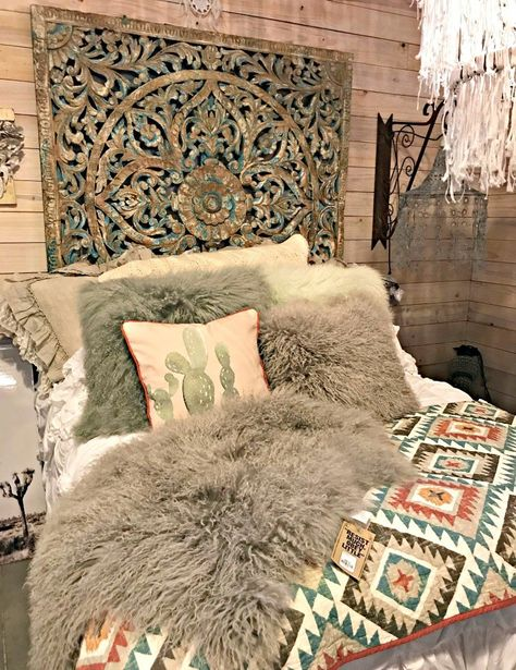 Vintage Home A romantic bed with faux fur and bohemian colors. A few more Round Top Shopping Trip Tips and some photos from the Junk Gypsy Headquarters. A shopping trip to Round Top and Waco would make a perfect weekend, guys! Western Bedroom Decor, Western Rooms, Western Decor, Cowgirl Bedroom, Western Bedding, Country Bedroom Design, Bedroom Designs, Western Style, Junk Gypsy Bedroom