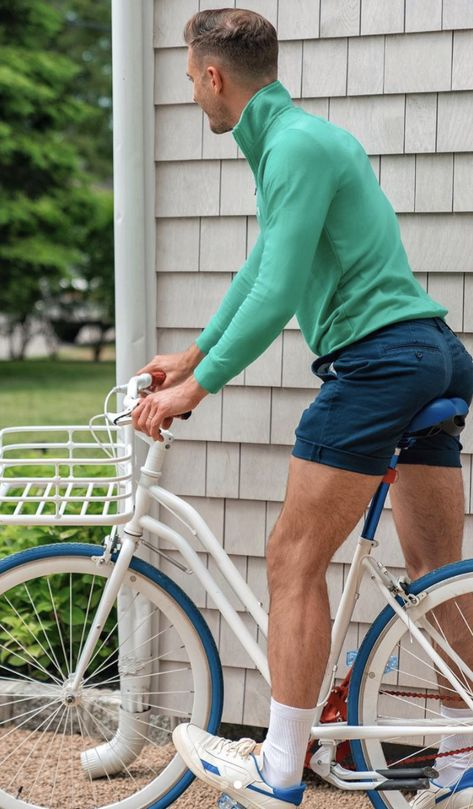 Can't get enough of this navy and 'Key West' green color combo. 💙💚 — I love how they create a simple but striking color block look when worn together like this! Plus, this 1/4 zip from @Chaps is the perfect pullover for summer bike rides by the ocean. 🚲 — It's available on @Amazon now! AD #ChapsxAmazon #MakeYouSmileStyle