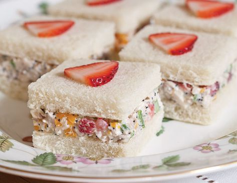 Salad Tea Sandwiches Fresh strawberries and mandarin oranges add a touch of sweetness to Strawberry–Chicken Salad Tea Sandwiches.Fresh strawberries and mandarin oranges add a touch of sweetness to Strawberry–Chicken Salad Tea Sandwiches. Tapas, Simply Yummy, Finger Sandwiches, Tea Party Sandwiches Recipes, Sandwiches For Parties, Afternoon Tea Parties, Snacks Für Party, Tea Party Foods, Tea Party Snacks