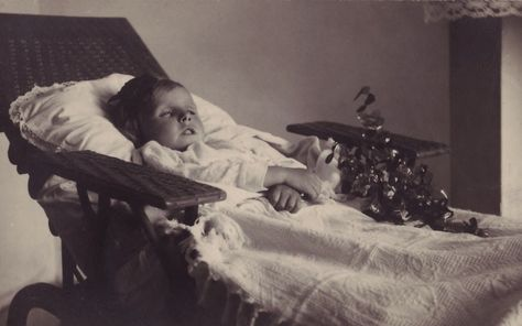 """margaret gunning's house of dreams: """"I see dead people"""": Victorian post-mortem photography"""