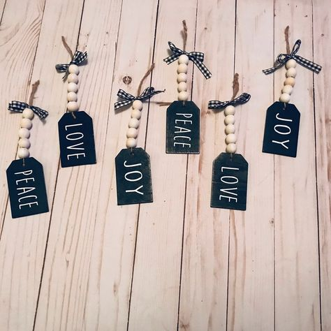Set of 6 handcrafted Christmas ornaments. Natural wood beads and chalkboard tag Handcrafted Christmas Ornaments, Farmhouse Christmas Ornaments, Beaded Christmas Ornaments, Handmade Christmas, Christmas Booth, Christmas Craft Show, Christmas Signs, Christmas Tree, Christmas Decorations