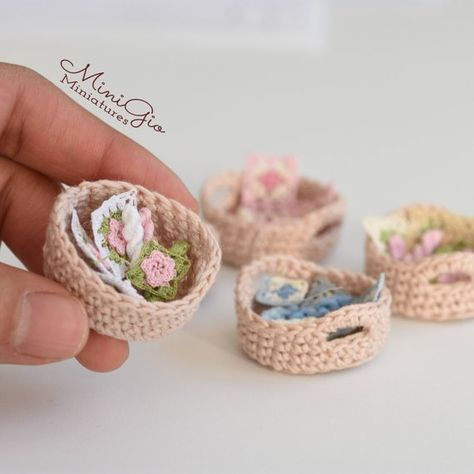 1:12 Scale Ladies Pink Crocheted Hat Dolls House Miniature Clothing Accessory T1