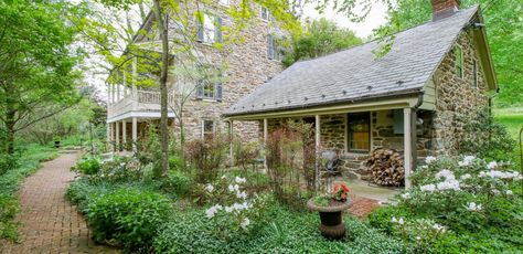 1800 Farmhouse In Smithsburg Maryland Old Farm Houses Victorian