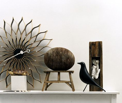 Here little birdy! Come here!     Just another of my many Vitra/Charles & Ray Eames' lust-haves. I did just find it on sale for USD178.50    No. I still can't justify it. Maybe when I'm all grown up... wonder if I'll ever be all grown up? Crap.