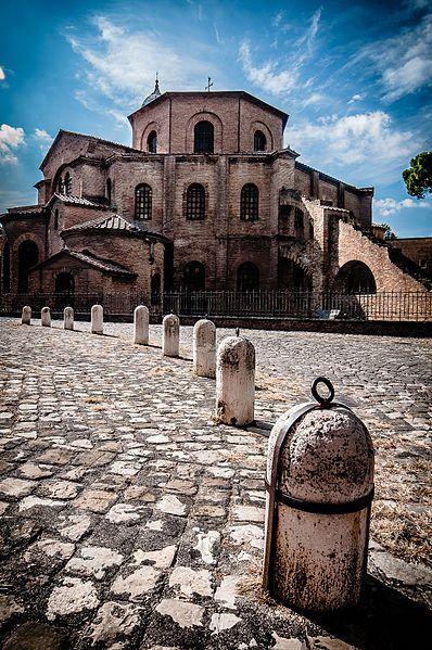 It was sooo awesome! The inside is spectaular! Ravenna, San VItale - Foto di Andrea78 | Un Weekend girando l'Emilia Romagna attraverso le foto di WikiLovesMonuments 2013