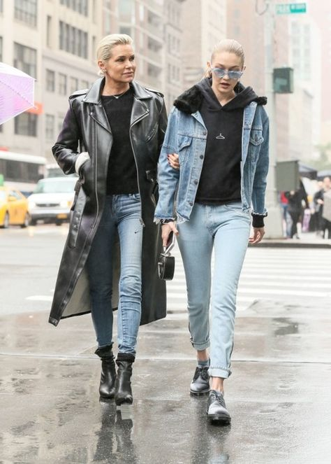 Gigi Hadid in Casual Outfit - New York - Celebrity Nude Leaked!