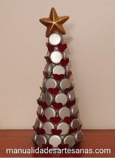 Adornos navidenos con chapas de botellas