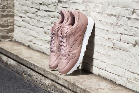 746be869fe0 Sneakers femme - Reebok Classic leather pearl pack rose gold