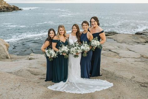 An oceanside wedding in York, Maine at the Union Bluff Meeting House