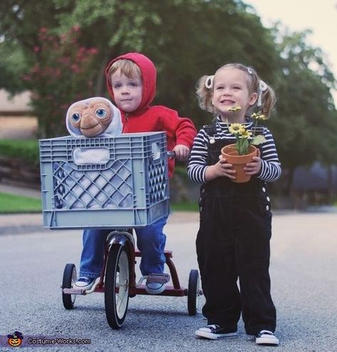 family halloween costumes with kids boys / family halloween costumes with kids . family halloween costumes with kids boys . family halloween costumes with kids diy . family halloween costumes with kids easy . family halloween costumes with kids 2019 Sibling Halloween Costumes, Twin Costumes, Halloween Costume Contest, Halloween Outfits, Halloween Kids, Halloween Makeup, Halloween Recipe, Halloween Projects, Children Costumes
