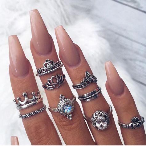 dating handmade nails