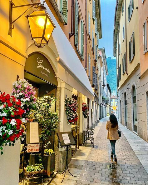 Como, Comolake, italy #como #comolake #italy #italia #ig_lombardia #wonderful_places #ig_italia #ig_italy #italian_places #italy_vacations…