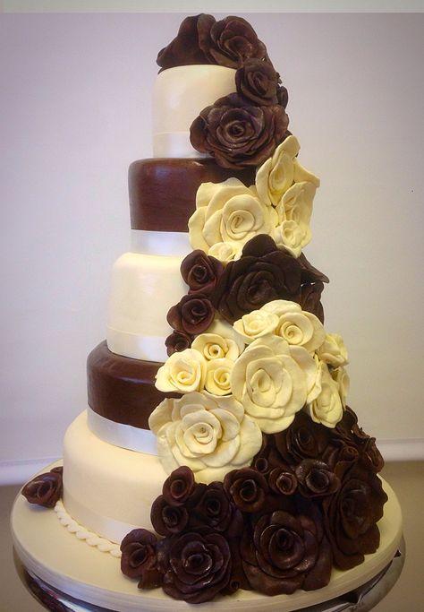 Harley Davidson wedding cake red-and-white chocolate roses | Wedding ...