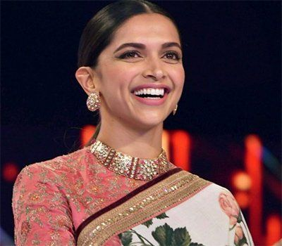 Know About Deepika Padukone S Biography Life Style Hd Photos Age Wiki Filmography And More In 2020 Deepika Padukone Deepika Padukone Movies Indian Actresses