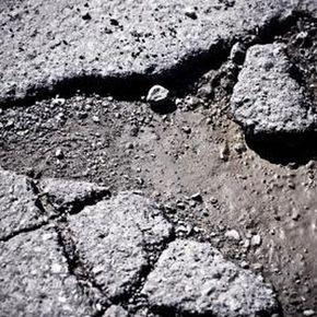 How To Use Quikrete Blacktop Patch In 2020 Driveway Repair Driveway Resurfacing Asphalt Driveway