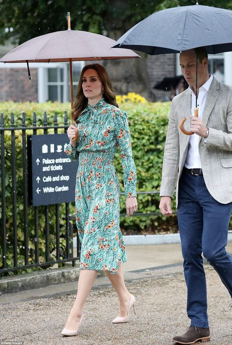 Kate Middleton Photos Photos: The Duke and Duchess of Cambridge and Prince Harry Visit the White Garden in Kensington Palace