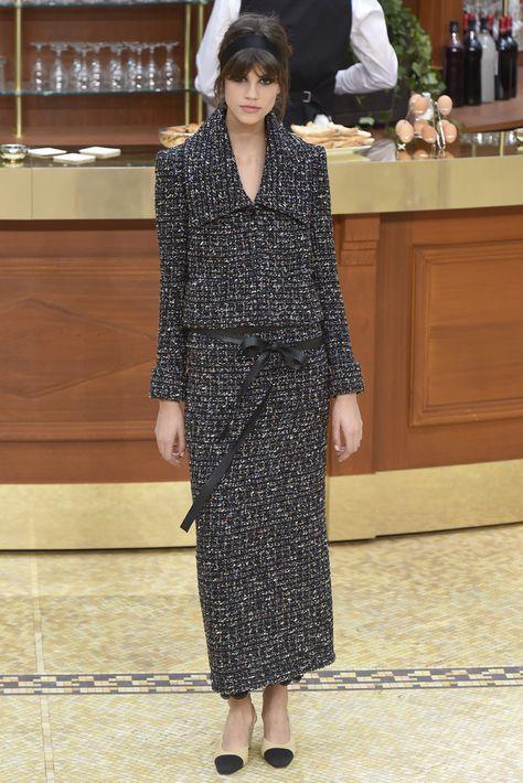 Chanel Fall 2015 Ready-to-Wear Fashion Show - Antonina Petkovic