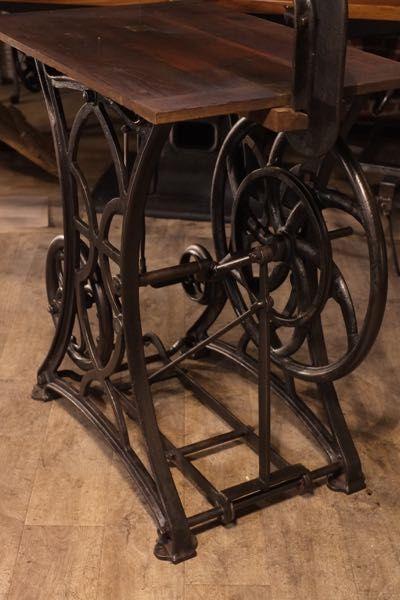 Table Indutrielle Pied Fonte 1900 Ancien Meuble De Metier Mobilier De Salon Meuble