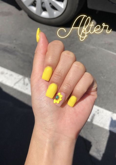 yellow sunflower nails for spring✨ Instagram: @trina_nguyen