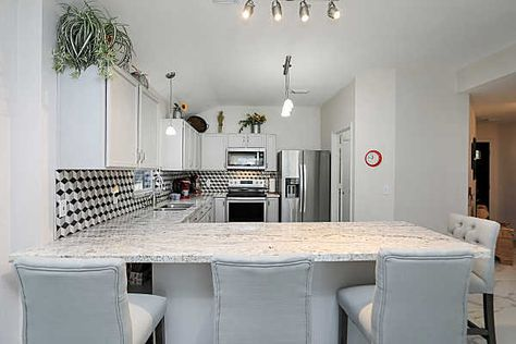526 Cypresswood Hill Spring Tx 77373 With Images Built In Cabinets Pulte Homes Cabinet Decor