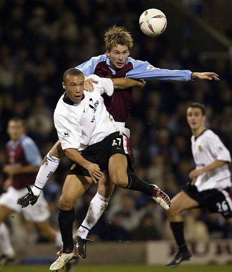 Burnley 0 Man Utd 2 in Dec 2002 at Turf Moor. Gareth Taylor and Mikael Silvestre go up for the ball in the League Cup 4th Round.
