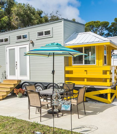 stay in a tiny house hotel and vacation rentals near the 1 best rh pinterest ru