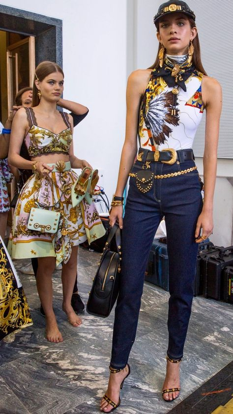 VERSACE Spring Summer 2018 Ready-To-Wear Tribute Collection Backstage featuring Myrthe Bolt & Diletta Paci